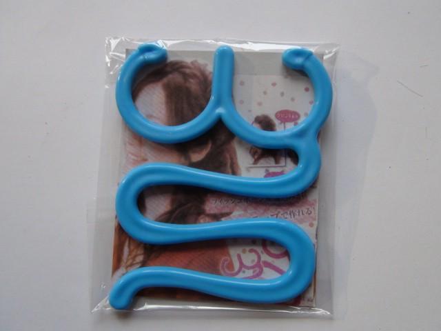 Аксесуар для плетения французской косы 7*8 см., пластик, 1 штука.