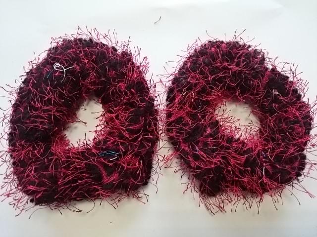 Резинка для волос махровая, d 10 см, цена за пару, цвет - красный.