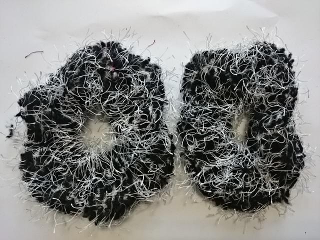 Резинка для волос махровая, d 10 см, цена за пару, цвет - чёрный.