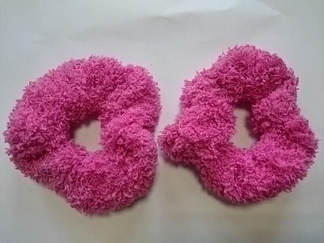Резинка для волос махровая, d 10 см, цена за пару, цвет - ярко-розовый.