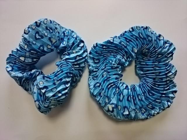 Резинка для волос гофрированная, d 10 см, цена за пару, цвет - голубой.