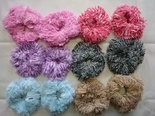 Резинка д/волос меховая, цветная, в ассортименте, D=12 см, цена за 12 штук.