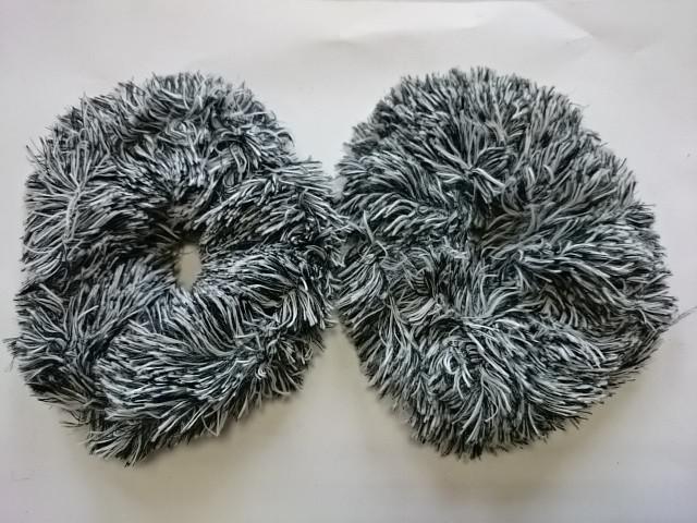 Резинка для волос меховая, d 12 см, цена за пару, цвет - чёрный.
