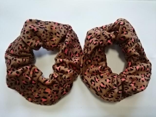 Резинка для волос велюровая, d 12 см, цена за пару, цвет - коричневый.