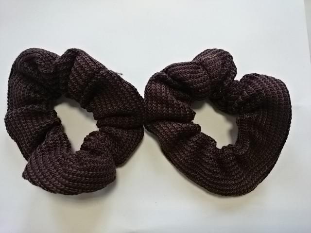 Резинка для волос цветная, d 12 см, цена за пару, цвет - коричневый.