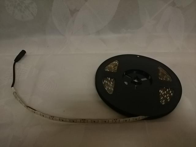 Лента светодиодная красная, 5 м*10 мм, (60 ламп на 1 м), IP65, 12В, самоклеющаяся.
