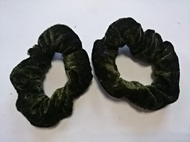 Резинка для волос велюровая, D=9 см, цена за пару, цвет - тёмно-зелёный.