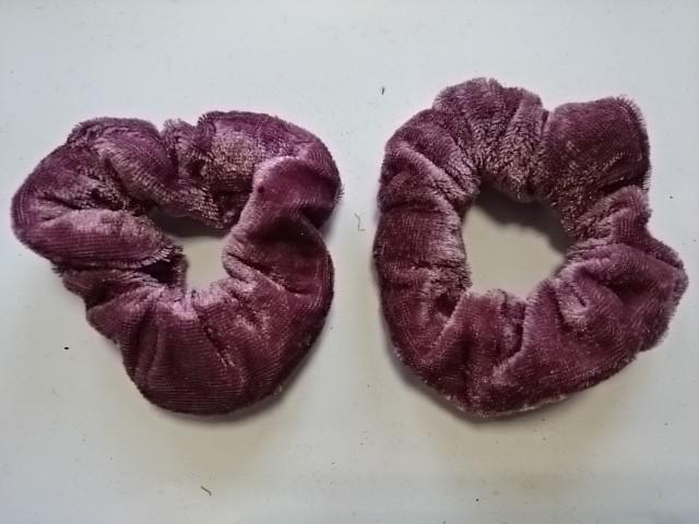 Резинка для волос велюровая, D=9 см, цена за пару, цвет - светло-сиреневый.