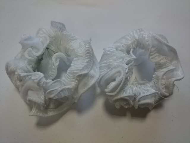 Резинка для волос велюровая, d 10 см, цена за пару, цвет - белый.