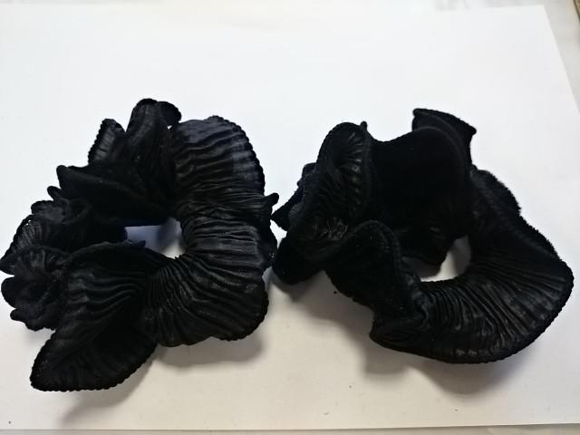 Резинка для волос велюровая, d 10 см, цена за пару, цвет - чёрный.