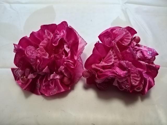 Резинка для волос гофрированная с бусинками, d 10 см, цена за пару, цвет - малиновый.