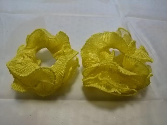 Резинка для волос гофрированная, d 10 см, цена за пару, цвет - жёлтый.