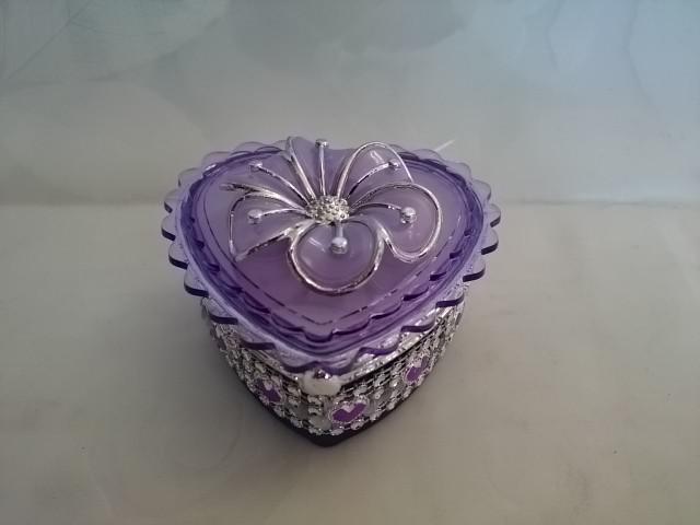 "Шкатулка фиолетовая ""Сердце"" с зеркалом, 7,5*7,5*4,5 см, пластик."