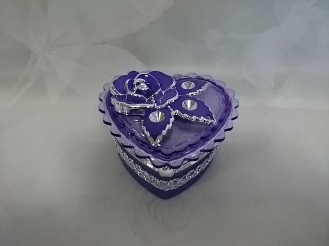 "Шкатулка фиолетовая ""Сердце"" с зеркалом, 9*9*4,5 см, пластик."