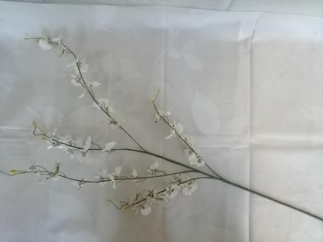 Ветка Орхидеи 93 см, белая, 1 штука.