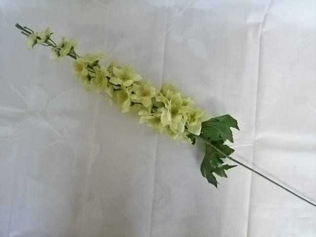 Дельфиниум 86 см., зеленый, 1 штука.