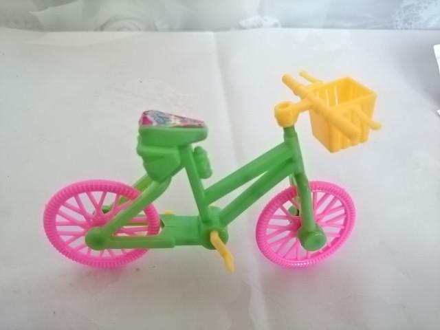 Велосипед, 11 х 8 см, пластмасса.