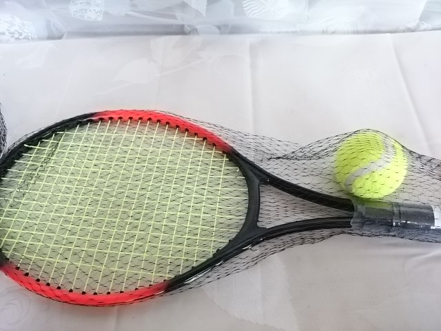 Ракетка для большого тенниса и мячик, в сетке, 50 см, пластмасса, металл.