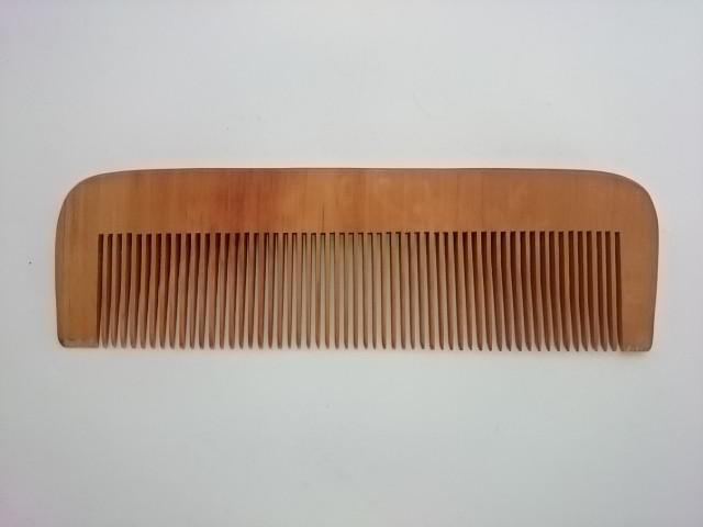 Расческа деревянная 17*5 см.