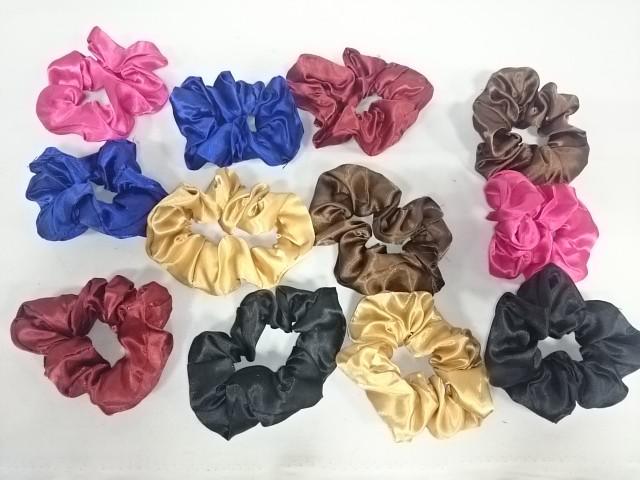 Резинки для волос, d 10,5 см, цена за 12 штук.