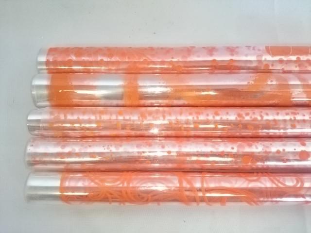 Плёнка прозрачная 70 см в рулоне с цветным рисунком оранжевая в ассортименте.
