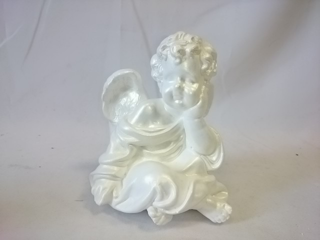 Сувенир Ангел сидя белый, 17 см, гипс.