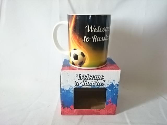 """Кружка керамическая """"Welcome to Russia!"""" мяч в огне, 350 мл, в подарочной коробке."""