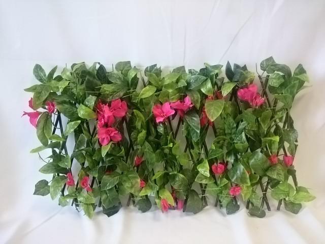 Ограждение из натуральных веток с цветами, трансформер.