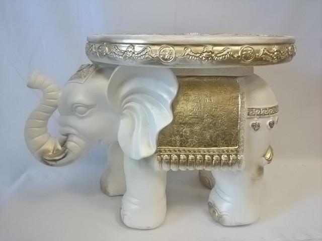 Стол - Слон большой, 42*57*34 см, белый с золотом.