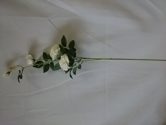 Ветка роз мелких 88 см, 1 штука.