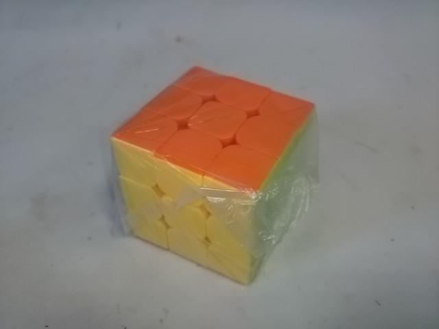 Кубик Рубика, 5,5 х 5,5 х 5,5 см, пластмасса.