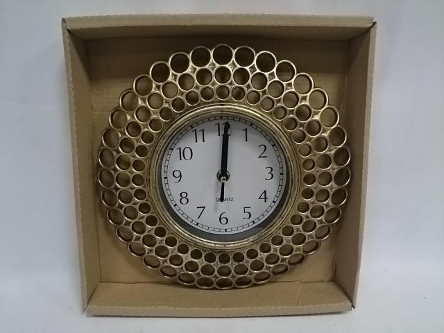 Часы настенные, D=26 см, под бронзу.