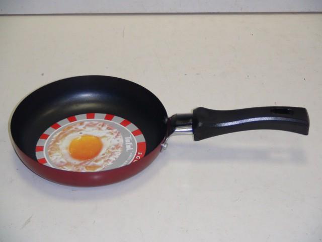 Сковорода круглая, с антиприг. покрытием D=14 см., H=3 см.