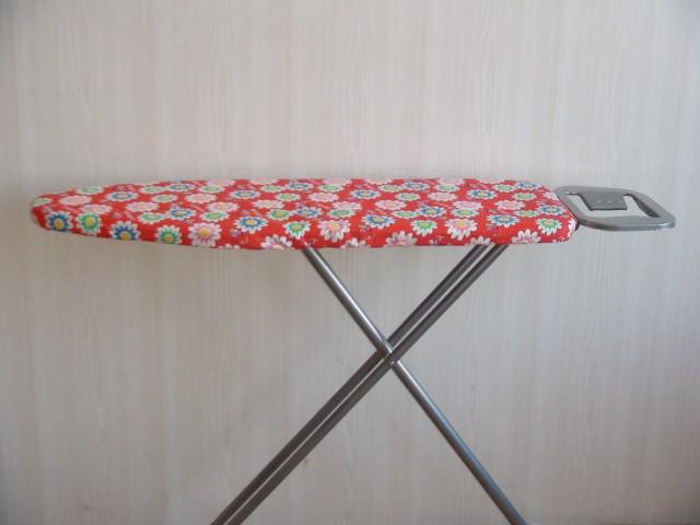"""Гладильная доска """"Ромашка"""", металлическая, регулировка по высоте, подставка под утюг Н=77 см., 110*30 см."""