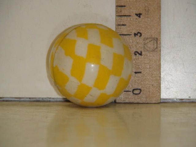 Мяч каучуковый 4,5 см.