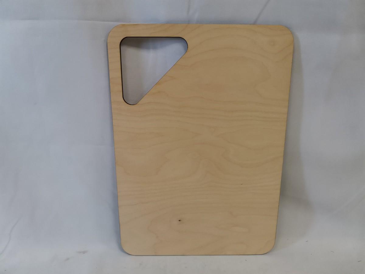 Доска разделочная деревянная, 40*28*0,6 см, прямоугольная.