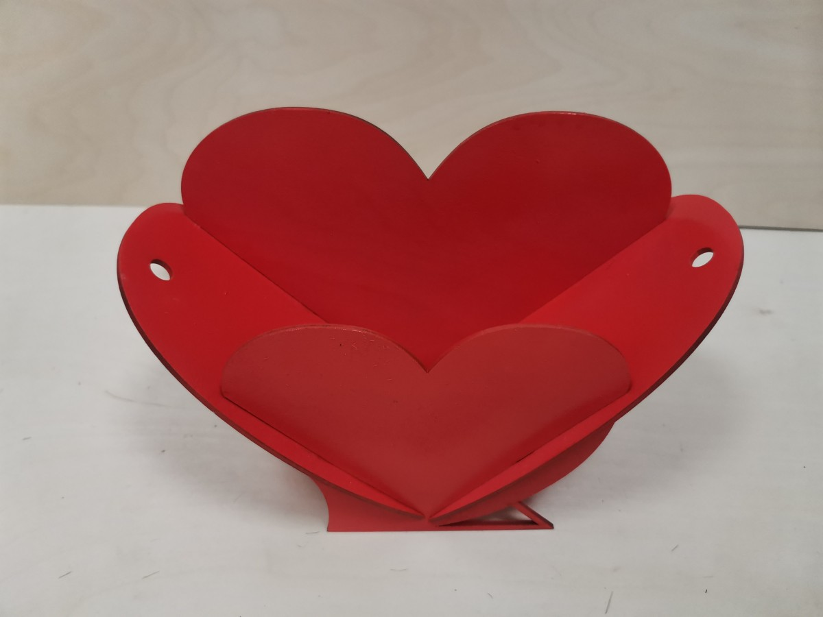 """Корзинка подарочная """"Сердце"""", 18*27*11 см, фанера 3мм, цвет - красный."""
