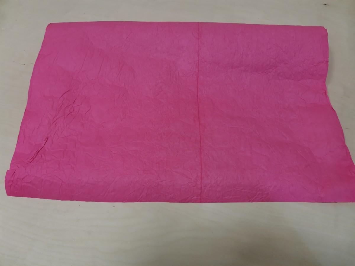 Бумага жатая Эколюкс, влагостойкая, 70 см*5 м, цвет -розовый.