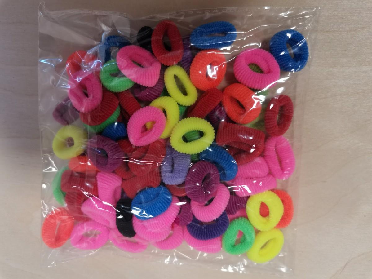 Резинки для волос мелкие цветные, 100 штук.