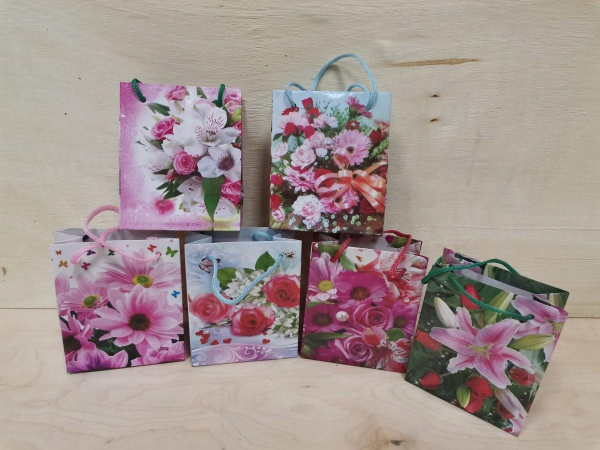 """Пакет подарочный с ручками """"Цветы"""", 9*11*5 см, бумага, цена за 24 штуки."""