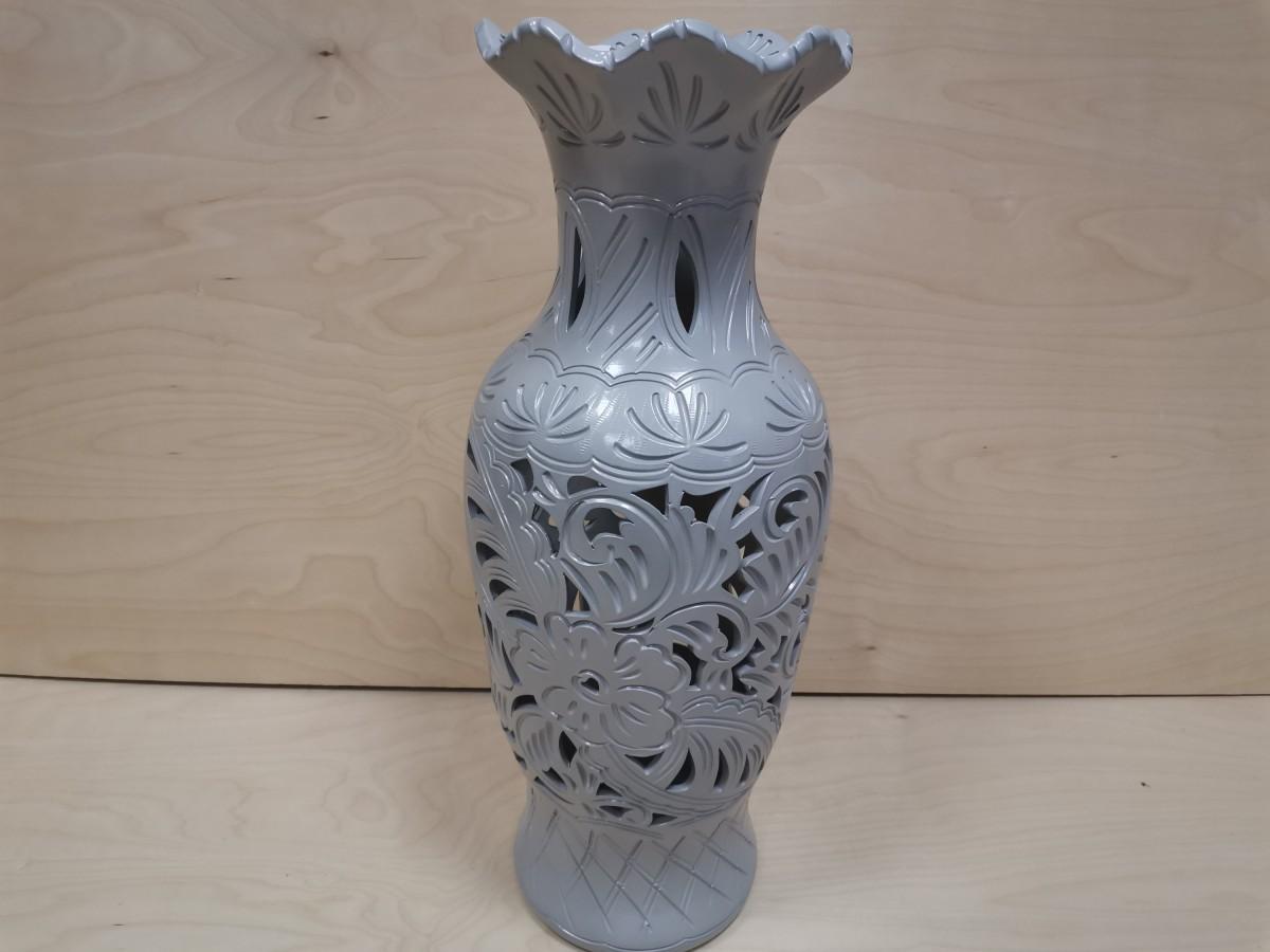 Ваза напольная, керамика, резная, глянец, 63 см. серая.