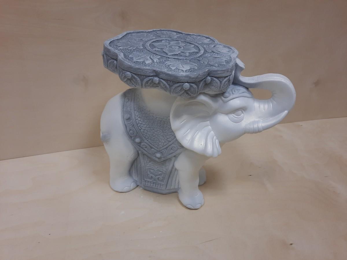 Слон средний, гипс, h - 34 см, L - 41 см, ш - 22 см. Цвет - античный.