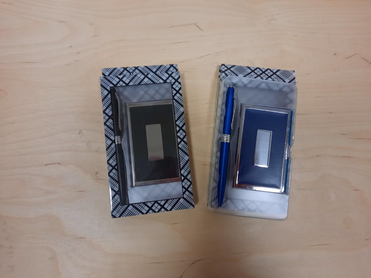 Набор 2 предмета: визитница + ручка.
