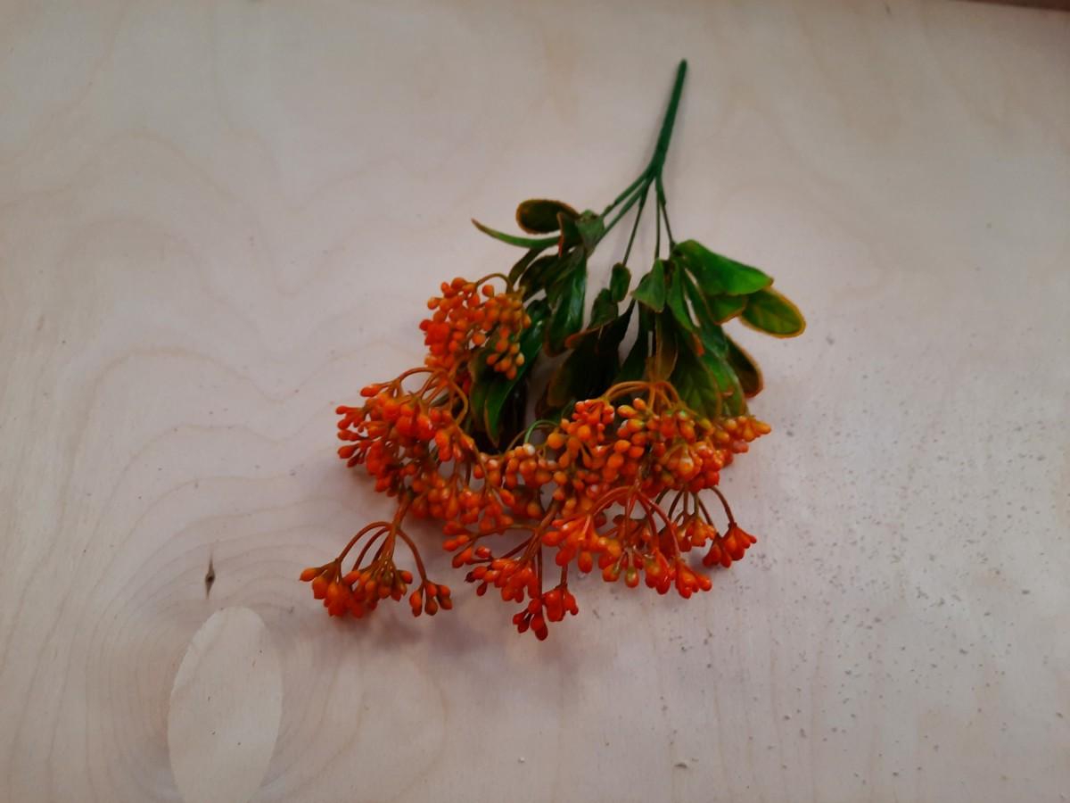 Куст с мелкими ягодками, 32 см, 1 штука, выписывать кратно 2 штукам, цвет - оранжевый.