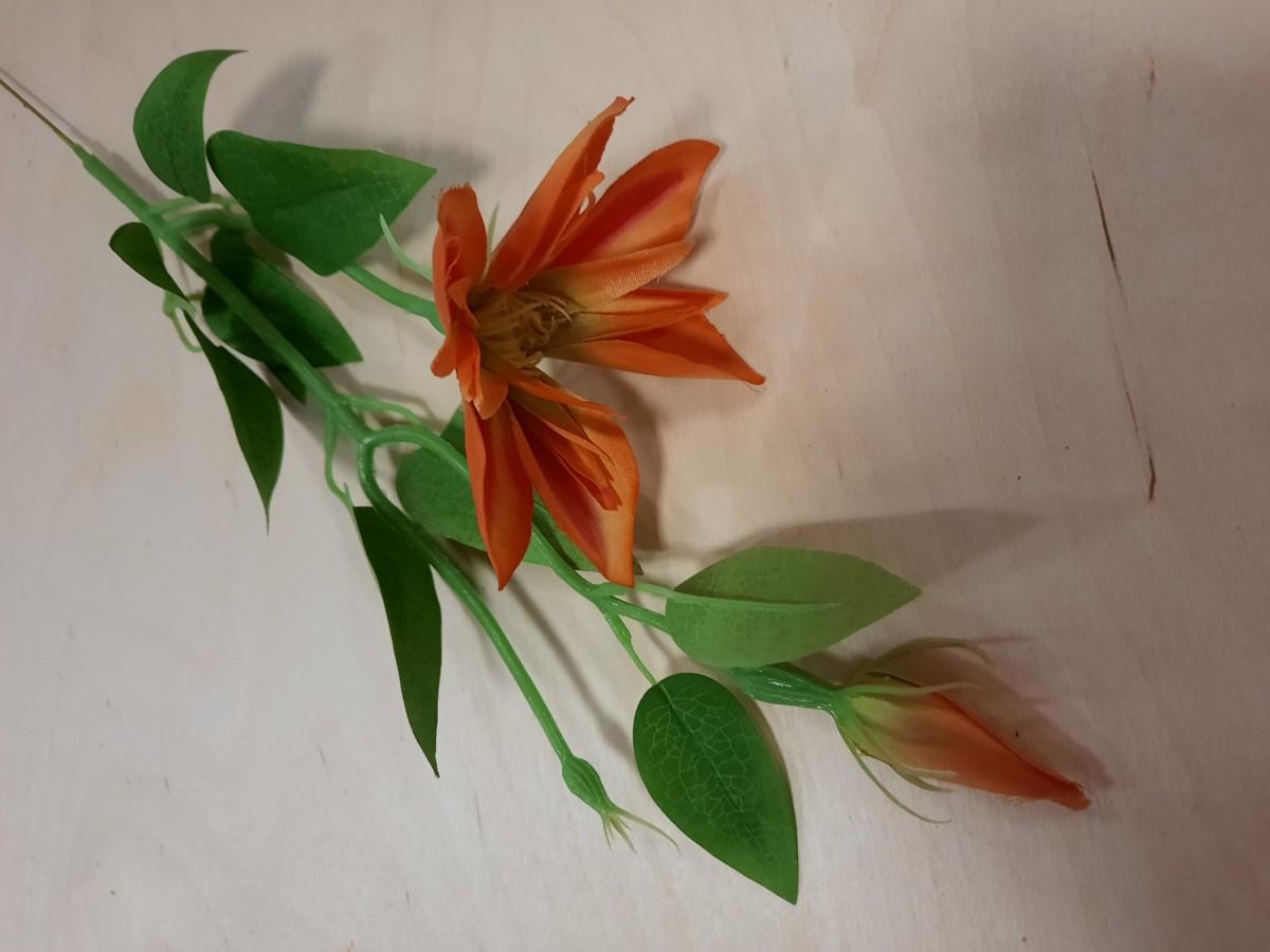 Ветка Клематиса, 46 см, цвет - оранжевый.