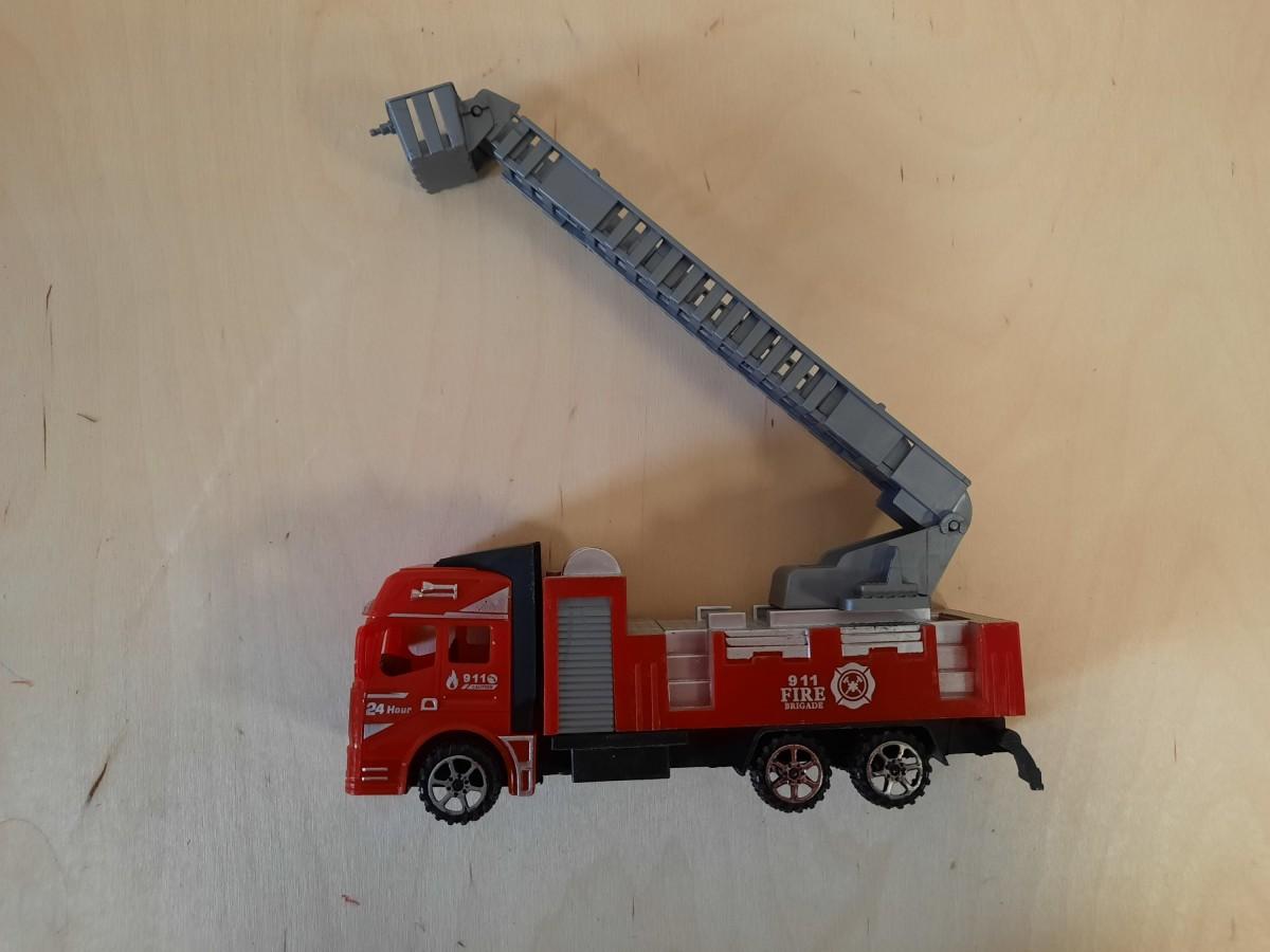Пожарная машина, 20*9*6 см.