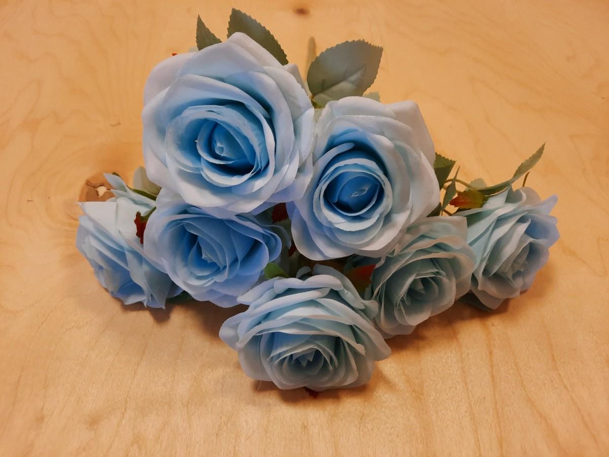 Букет роз из 7 голов, 42 см, цвет - голубой.