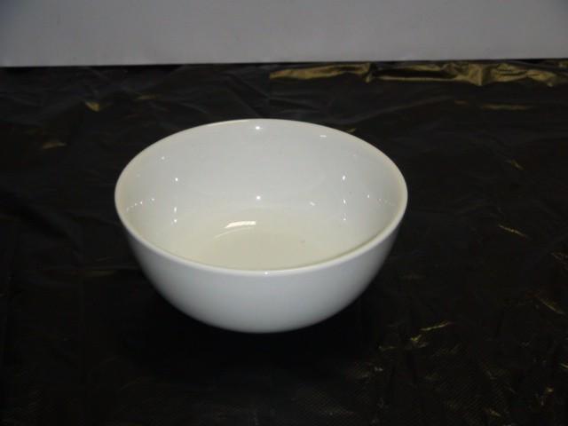 Салатник белый D=15 см.