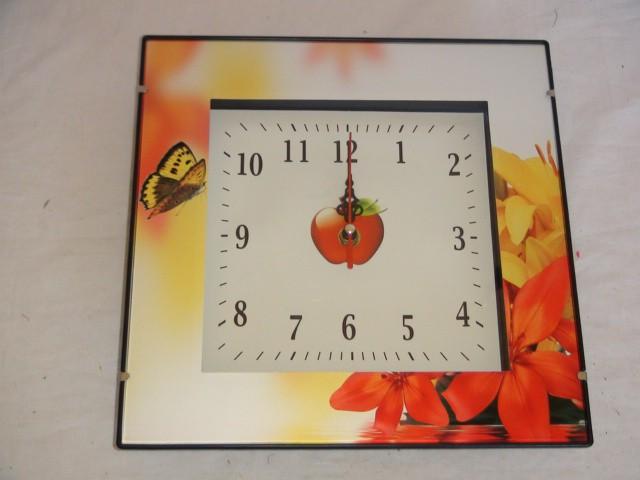 Часы универсальные 26*26 см., пластик, стекло.