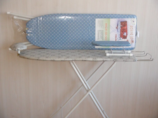 """Гладильная доска """"Клетка"""". Регулировка по высоте, подставка под утюг, подплечник, рукава. Ткань- тефлон. Н=77 см., 93*30 см."""